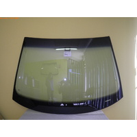 VOLKSWAGEN GOLF V/VI - 8/2004 to 3/2013 - 3DR/5DR HATCH - FRONT WINDSCREEN GLASS - RAIN SENSOR,TOP MOULD & RETAINER