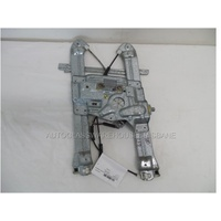 MITSUBISHI 380 DB - 4DR SEDAN 10/2005>4/2008 - PASSENGER - LEFT SIDE FRONT WINDOW REGULATOR - ELECTRIC