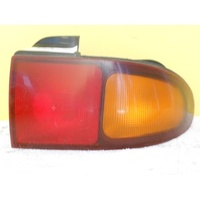 HYUNDAI SONATA - 4DR SEDAN 10/93>7/98 - RIGHT SIDE TAIL LIGHT