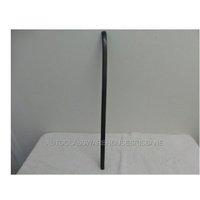 suitable for TOYOTA PRADO 150 SERIES - 11/2009 to CURRENT - WAGON - RIGHT SIDE FRONT RUBBER MOULD - NEW