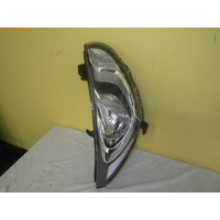 HYUNDAI ACCENT RB - 5DR HATCH 7/11>CURRENT - RIGHT SIDE HEAD LIGHT - MOTOR 8 PIN PLUG)