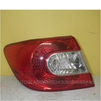 HOLDEN EPICA EP - 4DR SEDAN 7/08>12/11 - PASSENGERS - LEFT SIDE TAIL LIGHT - OUTER