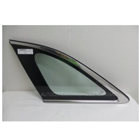 KIA SORENTO UM - 6/2015 to CURRENT - LEFT SIDE REAR CARGO GLASS - ENCAPSULATED - GREEN