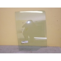 NISSAN NAVARA D40 - 12/2005 to 3/2015 - DUAL CAB - RIGHT SIDE REAR DOOR GLASS - THAILAND BUILT (573mm TALL - 2 WHITE LUGGS)