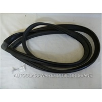 MITSUBISHI L300 - VAN 1980>1986 - FRONT WINDSCREEN RUBBER - NEW