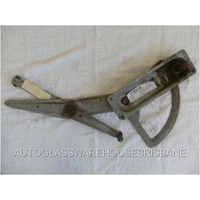 HOLDEN COMMODORE VT - 9/1997 to 7/2006 - 4DR SEDAN - PASSENGERS - LEFT SIDE WINDOW REGULATOR - MANUAL