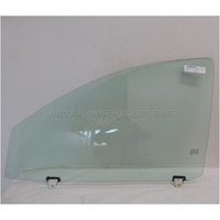 MITSUBISHI TRITON MQ - 4/2015 to CURRENT - 4DR DUAL CAB UTE - LEFT SIDE FRONT DOOR GLASS (WITH FITTING) - GREEN