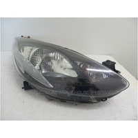 MAZDA 2 DE10Y - 9/2007 to 8/2014 - 5DR HATCH - RIGHT SIDE HEADLIGHT