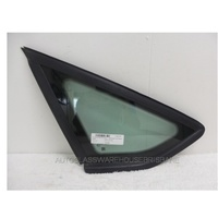 FORD FOCUS LW - 8/2011 to CURRENT - SEDAN/HATCH - LEFT SIDE REAR QUARTER GLASS (BLACK MOULD) - GENUINE