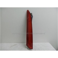 VOLVO XC90 DZ - 9/2003 to 2/2015 - 5DR WAGON - LEFT SIDE TAIL LIGHT - UPPER COVER HELLA 162655