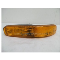 JEEP CHEROKEE KJ - 9/2001 to 03/2006 - 4DR WAGON - RIGHT SIDE BUMPER LIGHT - 55155910 A