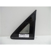 LDV V80 4/2013 TO CURRENT - PASSENGERS - LEFT SIDE FRONT QUARTER GLASS - ENCAPSULATED - GREEN