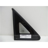 LDV V80 - 4/2013 TO CURRENT - VAN - DRIVERS - RIGHT SIDE FRONT QUARTER GLASS - ENCAPSULATED - GREEN
