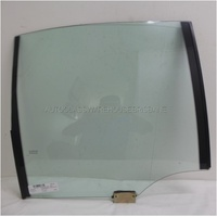 HOLDEN COMMODORE VT/VX/VY/VZ - 9/1997 to 7/2006 - 4DR SEDAN - RIGHT SIDE REAR DOOR GLASS