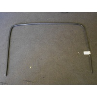 HOLDEN COMMODORE VT/VX/VY/VZ - SED/WAG/UTE 9/97>3/07 - FRONT WINDSCREEN MOULDING - GENUINE