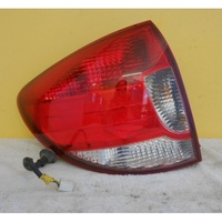 KIA RIO KNADC24 - 7/2000 to 8/2005 - 5DR HATCH - LEFT SIDE TAIL LIGHT - IRST 00 DOT 92402-FDO