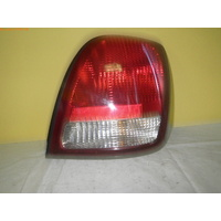 HYUNDAI GRANDEUR XG - 10/1999 to 11/2002 - 4DR SEDAN - RIGHT SIDE TAIL LIGHT - IHL 92402-39