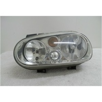 VOLKSWAGEN GOLF 4 - 9/1998 TO 6/2004 - HATCH - RIGHT SIDE HEADLIGHT W/FOG LAMP