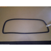 MAZDA BRAVO B2000/B2600 - 2/1999 to 11/2006 - UTE - REAR WINDSCREEN RUBBER MOULD