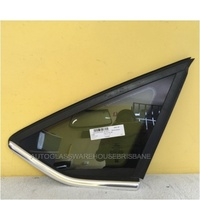 FORD FOCUS LW - 2011 TO CURRENT - 4DR SEDAN/5DR HATCH - RIGHT SIDE REAR QUARTER GLASS - CHROME