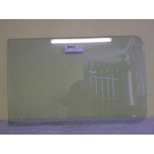 MITSUBISHI L300 IMPORT LWB - 4/1980 to 9/1986 - VAN - DRIVERS - RIGHT SIDE REAR FRONT FIXED GLASS - 675MM X 420MM - (Second-hand)